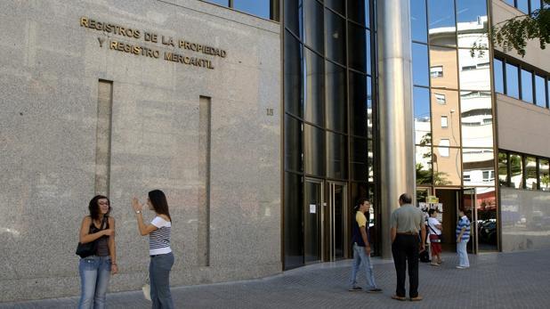 Los registradores alertan de 1.800 casos de blanqueo de capitales en Andalucía